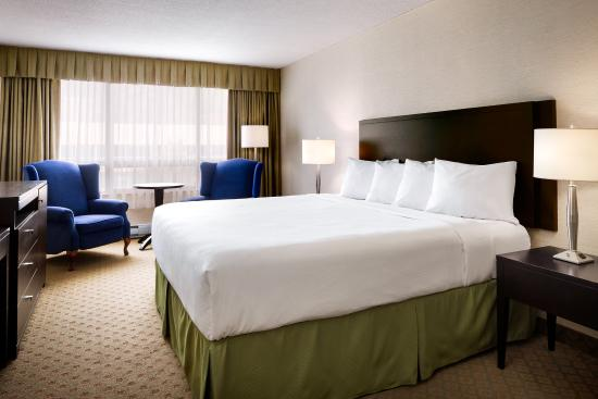 Greenwood Inn & Suites: Deluxe KIng Room