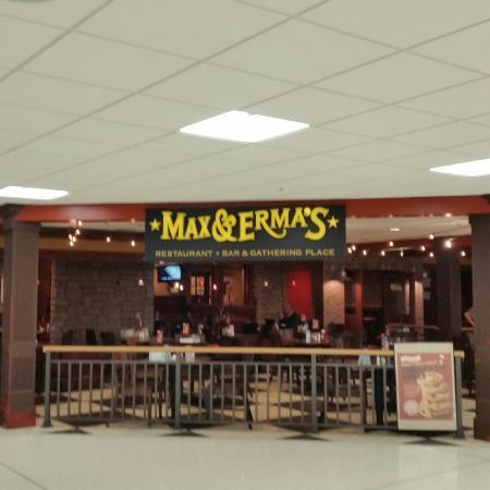 Max & Erma's Restaurant Columbus Airport