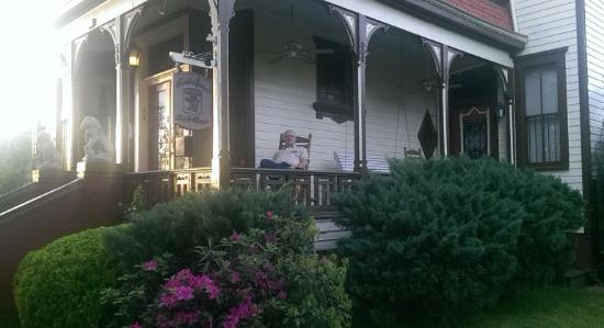 Roussell's Garden: I relax in the rocking chair on the front porch