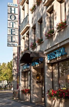 Photo of Antik Hotel Bristol Cologne