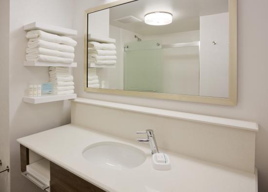 Hampton inn minneapolis bloomington west updated 2018 - Discount bathroom vanities los angeles ...