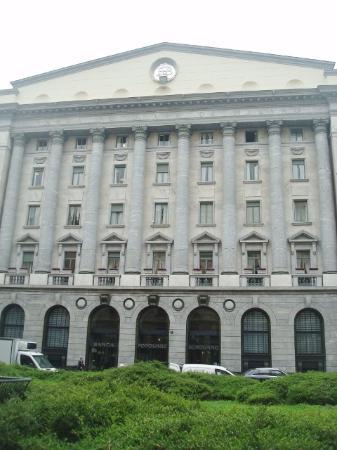 Banca Popolare di Milano: Veduta della facciata
