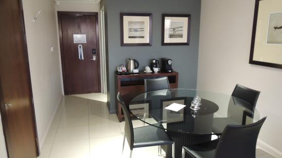 Protea Hotel by Marriott O.R. Tambo Airport Transit: The dining area, entrance
