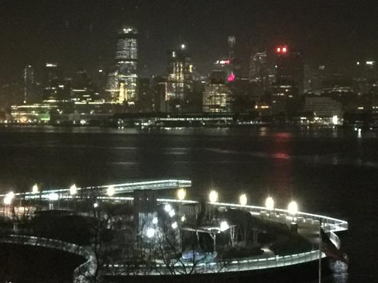 Spectacular night view of manhattan from w hoboken for W hoboken in room dining