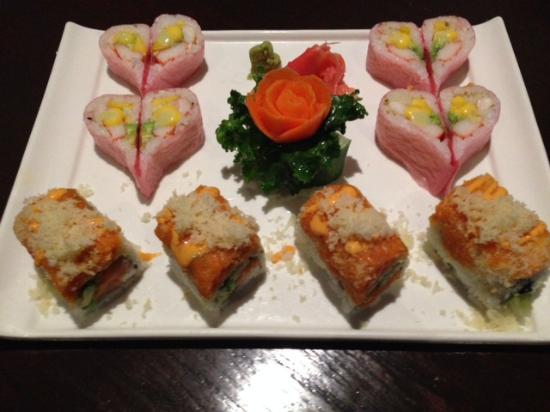 Fujiyama Steakhouse Sushi Bar: Presentation was beautiful!