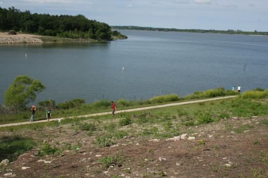 Acorns Resort: View of the lake