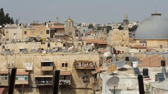 Jaffa Gate Hostel : part of the view from the roof