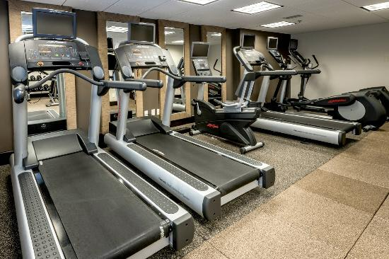 DoubleTree by Hilton Hotel Montgomery Downtown: Fitness Center with Cardio Machines