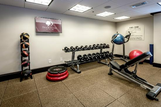 DoubleTree by Hilton Hotel Montgomery Downtown: Fitness Center with Weights