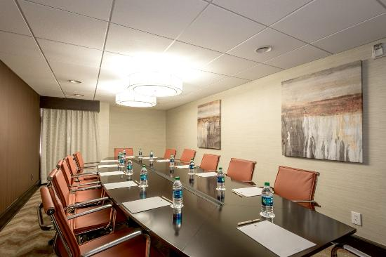 DoubleTree by Hilton Hotel Montgomery Downtown: Boardroom