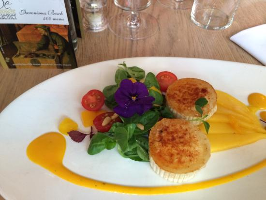 Goats cheese and mango starter - Picture of In De Bossche Eetkaemer ...