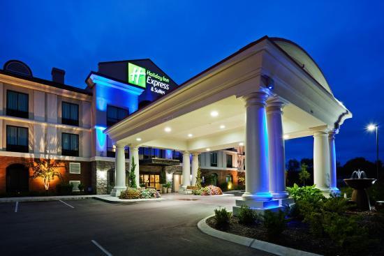 Mount Juliet, TN: Hotel Exterior Night View