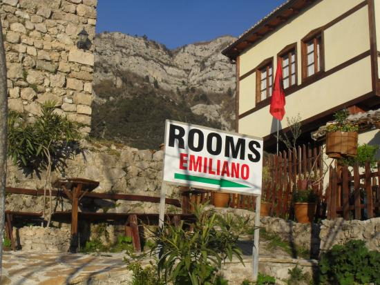 Rooms Emiliano