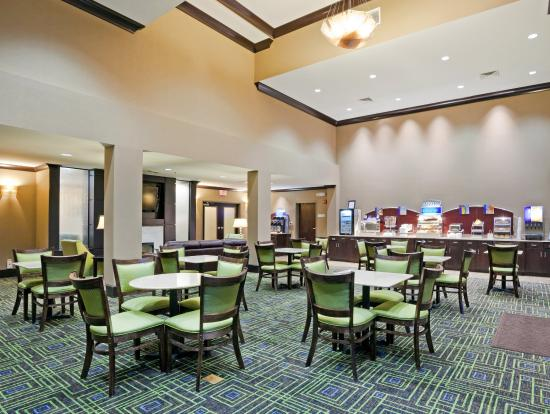 Holiday Inn Express Hotel & Suites Opelika Auburn: We offer many traditional, as well as healthy breakfast options.