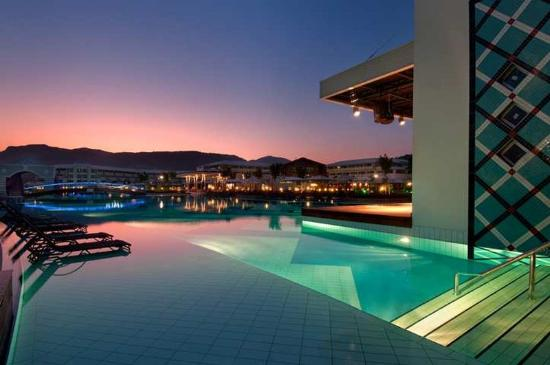 Hilton Dalaman Sarigerme Resort & Spa: Swimming Pools
