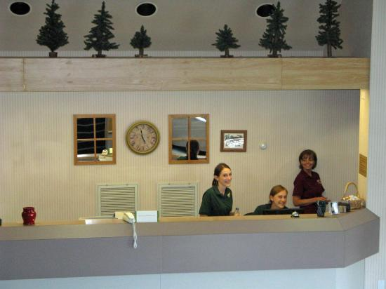 Ephraim, UT: Our front desk welcomes you