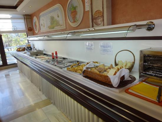 Guadalupe Hotel: Limited breakfast buffet