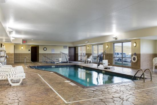 Comfort Suites Hotel & Convention Center Rapid City: Pool
