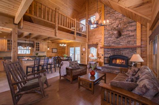 Jeffersonville, VT: Large, spacious living area in Field and Stream Cabin.