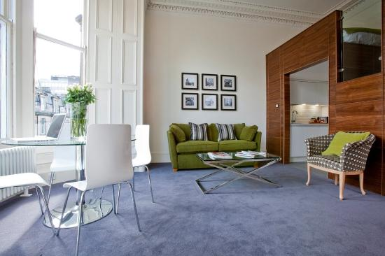 Merchiston Residence: Two Bed Apt