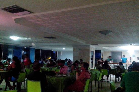 Cartagena Premium Hotel: Horrível! Escuro, sujo e com mau cheiro. Muito abafado.