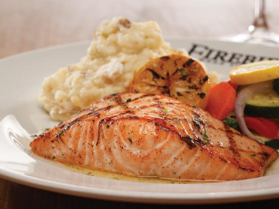 Chadds Ford, Pensilvania: Wood Grilled Salmon