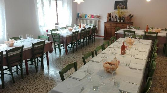 Trattoria Alla Sorgente: La sala da pranzo
