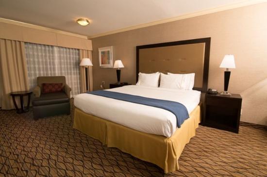 "Port Hueneme, CA: Separate bedroom with 42"" flat screen TV"