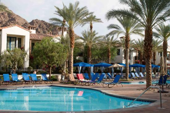 Legacy Villas at La Quinta: Poolside at early morning
