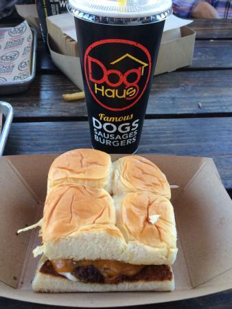 Dog Haus : photo0.jpg