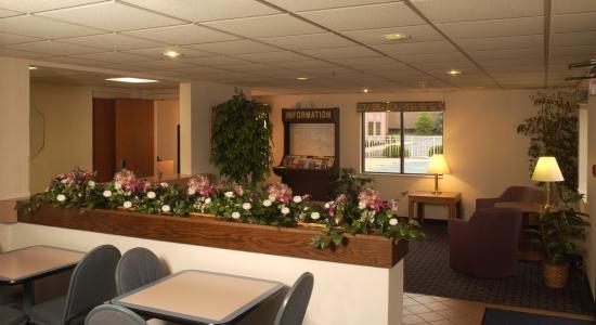Best Budget Inn Sandusky: Lobby