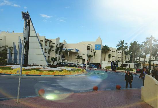 Hotel vu de l ext rieur picture of hotel mac puerto marina benalmadena benalmadena tripadvisor - Mac puerto marina benalmadena benalmadena ...