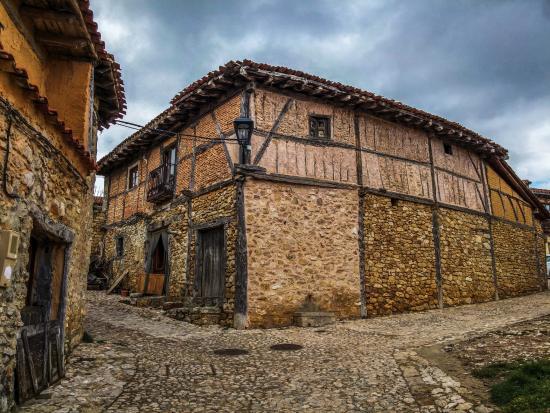 Castillo y Pueblo de Calatanazor