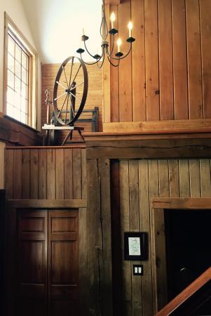 Hillsboro, OH: Lodge Foyer