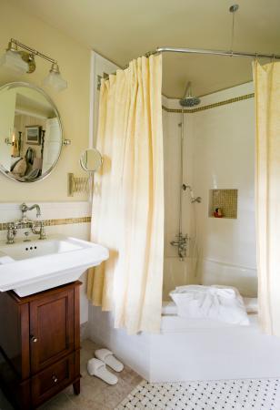 Trumansburg, estado de Nueva York: Sargent Room Bath