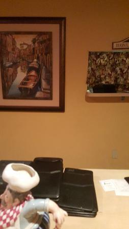Petrella's Italian Cafe: 20160328_193738_large.jpg