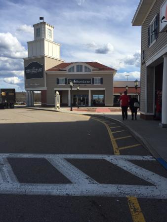Wrentham, MA: são ruas, é como uma vila o lugar