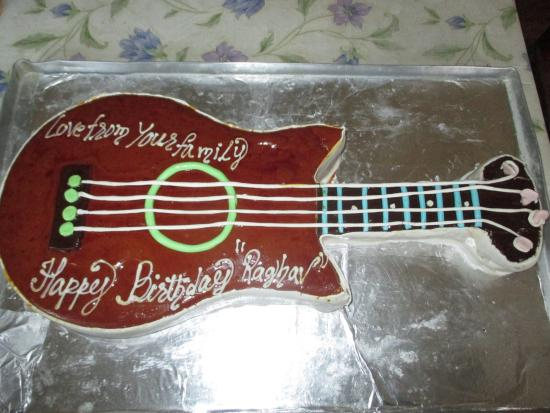Amazing Guitar Shaped Birthday Cake For Music Lovers Picture Of Shabri Funny Birthday Cards Online Barepcheapnameinfo