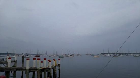 Noank, CT: Cloudy evening, but still gorgeous!