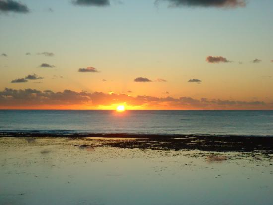 Mangaia, Isole Cook: sunset from villa