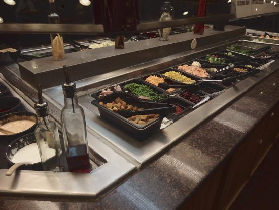 Closing time: Bankrupt buffet chains close restaurants