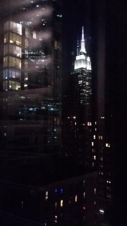 Pod 39 Hotel: Night view from room 1214