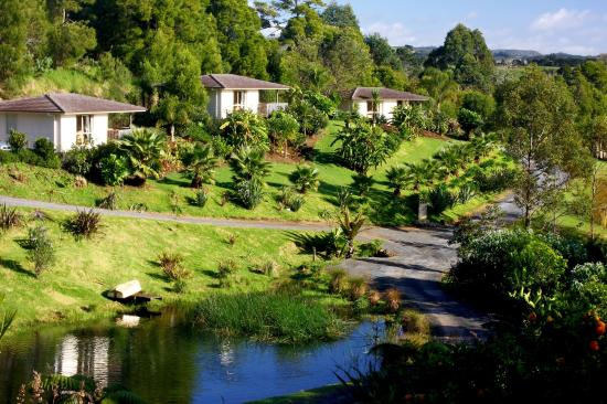 Avalon Resort: Garden, Lake & Cottages