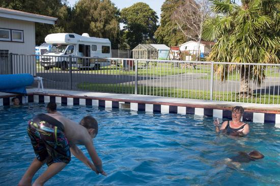 Whanganui River Top 10 Holiday Park: The boys (and their Granny) loved the pool!