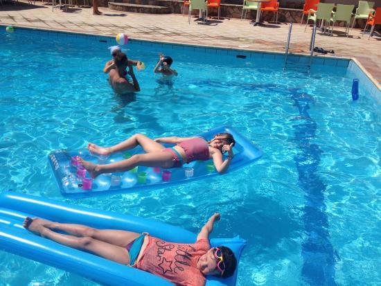 Jupiter Hotel: The kids loved the pool!