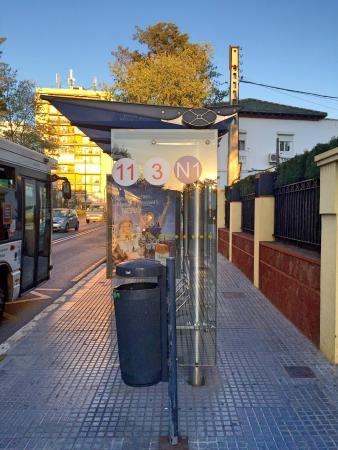 Hostal Moscatel: Bus station
