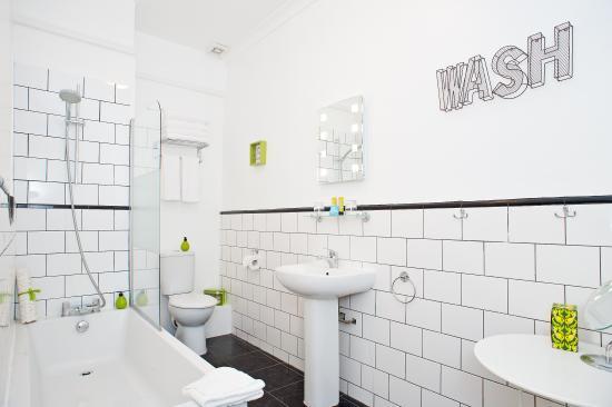 Limehouse: Luxury bathroom