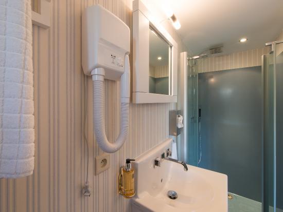 Haasrode, Belgium: Romantic room bathroom