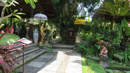 Lovely Gardens lovely gardens - picture of laka leke restaurant, ubud - tripadvisor