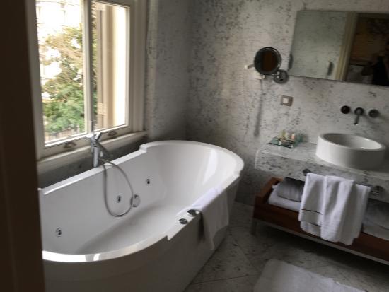 Tomtom Suites: photo1.jpg